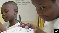 Recortar o futuro. Crianças numa escola angolana