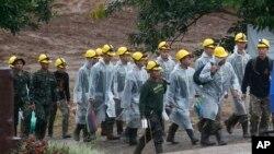 Đội cứu hộ ở hang Tham Luang, Thái Lan.