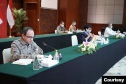 Juru Bicara Kementerian Luar Negeri RI, Teuku Faizasyah, konferensi pers virtual hari Kamis, 17 September 2020. (Foto courtesy: Kemlu RI)