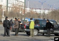 在圖門市的中國和北韓商人