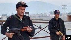 پشاور میں دو خودد کش بمبار پولیس مقابلے میں ہلاک