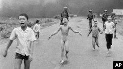 Bức ảnh 'Em bé Napalm' đoạt giải thưởng Pulitzer đã được nhiếp ảnh gia Nick Út chụp vào năm 1972.