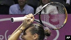 Flavia Pennetta, of Italy after beating Coco Vandeweghe, of the United States, 6-1, 6-2 in the Fed Cup tennis finals in San Diego, 07 Nov 2010