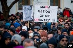 Protest u znak sećanja na ubijenog novinara Jana Kuciaka i njegovu devojku Martinu Kusnirovu; Bratislava, Slovačka, 28. februar 2018.
