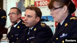 نشست خبری پلیس کانادا پیرامون کشف توطئه بمبگذاری در قطار، تورنتو، ۲۲ آوریل ۲۰۱۳