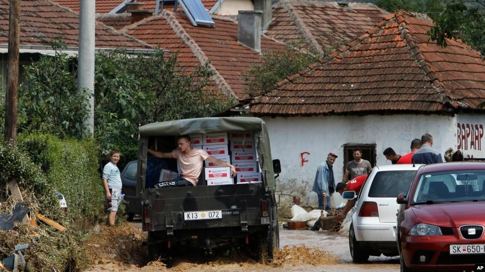 Banorët: Autoritetet maqedonase, ndarje selektive të ndihmave