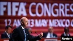 Presiden FIFA Gianni Infantino berpidato dalam Kongres FIFA ke-66 di Mexico City, Meksiko (13/5). (Reuters/Edgard Garrido)