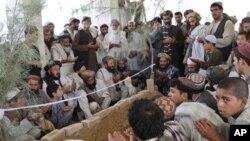 احمد ولی کرزی به خاک سپرده شد