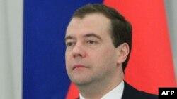 Медведєв пропонує відновити прямі вибори губернаторів