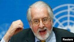 Ông Pinheiro nói rằng tất cả các bên ở Syria đã vi phạm nhân quyền 1 cách kinh khiếp, nhưng không bên nào bị buộc phải chịu trách nhiệm.