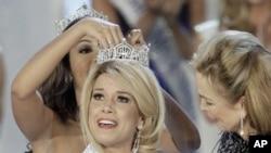斯坎蘭贏得美利堅小姐冠軍