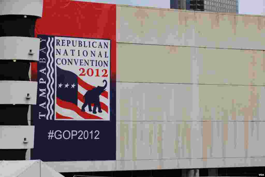 RNC banners are hung all over Tampa, Florida, August 27, 2012. (J. Featherly/VOA)