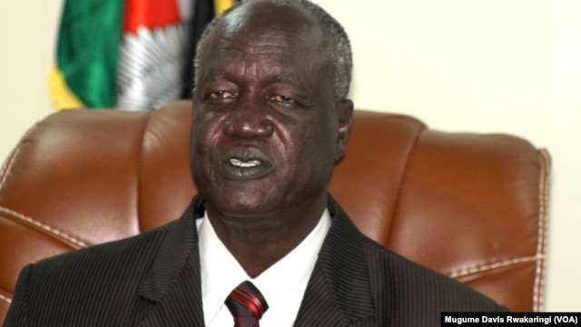 South Sudan Defense Minister Kuol Manyang Juuk speaks to reporters in Juba on June 23, 2014.