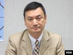 前国安会副秘书长、台湾大学教授杨永明(美国之音张永泰拍摄)