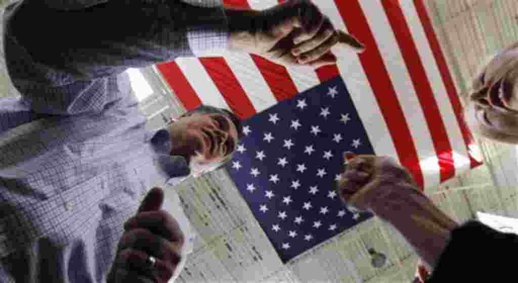 Según una encuesta de la Universidad Quinipiac, Romney tiene una ventaja sobre Gingrich de 43% a 29%, entre los probables votantes de Florida.