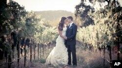 Ảnh cưới của Brittany Maynard và chồng Dan Diaz.