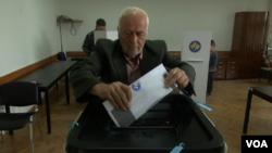 Glasanje na parlamentarnim izborima na Kosovu