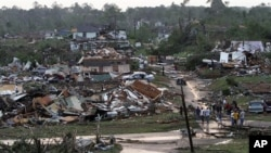 هلاکت ۳۵۰ تن در طوفان های امریکا