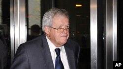 El exlíder republicano se declaró culpable de violar leyes bancarias en octubre y será sentenciado esta semana en Chicago. Si es hallado culpable puede ser condenado hasta cinco años de cárcel.