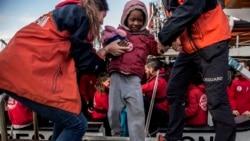 Des migrants secourus au large de la Libye arrivent en Espagne