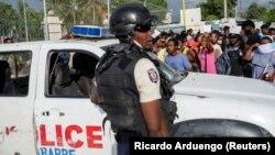 Policija na ulicama Port-au-Prince poslije ubistva predsjednika Jovenela Moisea.