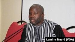 Urbain Yaméogo, Directeur exécutif du Centre d'information et de formation en matière des droits humains en Afrique (CIFDHA), Ouagadougou, le 12 août 2019. (VOA/Lamine Traoré)