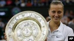 Ngôi sao quần vợt hai lần thắng giải Wimbledon Petra Kvitova.