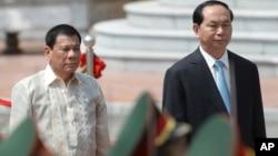 Ông Duterte trong chuyến thăm Việt Nam hồi cuối tháng Chín.