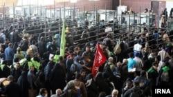 زائران مراسم اربعین در مرز مهران