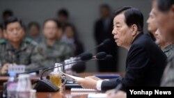 한민구 한국 국방부 장관이 24일 서울 용산 국방부에서 열린 전군주요지휘관회의에서 발언하고 있다.