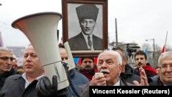 Doğu Perinçek geçen Ocak ayında Strasbourg'da Avrupa İnsan Hakları Mahkemesi'nin duruşmasına katılmıştı.