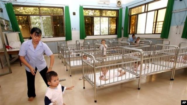 Trẻ em tại trại mồ côi Tam Bình 1 ở TPHCM.