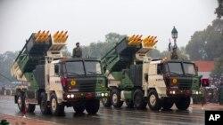지난 1월 인도 뉴델리에서 공화국기념일을 맞아 군사행진이 진행되고 있다. (자료사진)