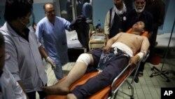 یکی از مجروحان انفجارهای انتحاری در نزدیکی کابل