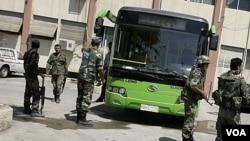 Pasukan keamanan Suriah terus melakukan penindakan terhadap demonstran anti-pemerintah (29/8).