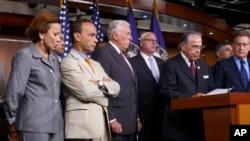 El Caucus Hispano del Congreso exige al presidente Obama acciones inmediatas por la reforma migratoria.
