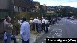 Les élections régionales au Vénézuela, le 15 octobre 2017. (VOA/Álvaro Algarra)