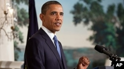 美国总统奥巴马就债务问题对媒体谈话