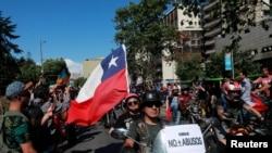 Aumentan las denuncias por violaciones de derechos humanos en Chile, mientras continúan las protestas en el país.