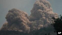 罗卡滕达火山喷发