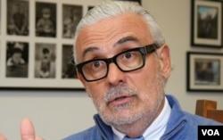 报告作者之一的苏亚雷斯·奥罗斯科博士(美国之音国符拍摄)