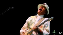 Musician Carlos Santana performs during his concert in Bangalore, India, Oct. 26, 2012.