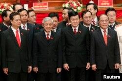 'Tứ trụ' (từ phải): Chủ tịch Quốc hội Nguyễn Sinh Hùng, Tổng Bí thư Nguyễn Phú Trọng, Thủ tướng Nguyễn Tấn Dũng và Chủ tịch Nước Trương Tấn Sang.