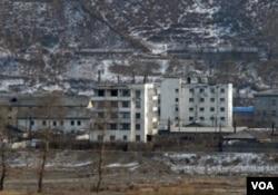 图们江对岸的朝鲜