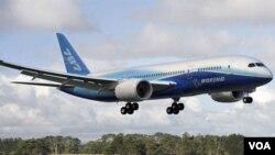 El 787 realizó su vuelo de prueba dos años más tarde de lo previsto.