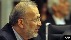"""Ông Mottaki nói quyết định của Tổng Thống Ahmadinejad bãi nhiệm ông là """"đáng phẫn nộ và phản Hồi giáo"""""""