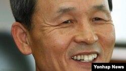 한국 대통령직 인수위원회 통일외교분과 간사로 임명된 김장수 전 국방부장관.
