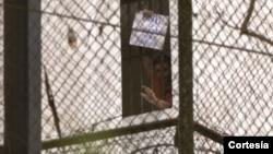 Leopoldo Lopez permanece en una cárcel militar desde febrero pasado.