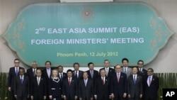 제19차 아세안지역안보포럼(ARF)에 참가한 각국 외무장관들.