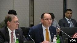 ABŞ Dövlət Katibinin iqtisadi məsələlər üzrə nümayəndəsi Piter Haas çıxış edir